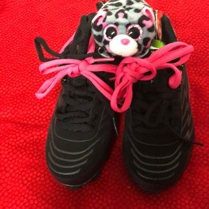 RAWLINGS GIRL'S BLACK ,PINK, SOCCER CLEATS SIZE 12
